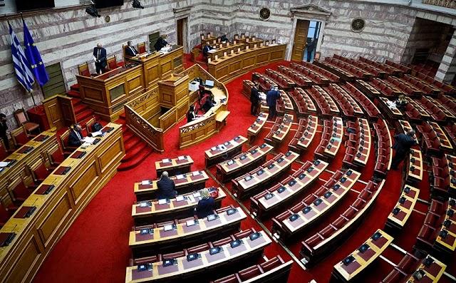 Αντιπολίτευση κατά κυβέρνησης για την υποβάθμιση της Δυτικής Αθήνας από την πανδημία