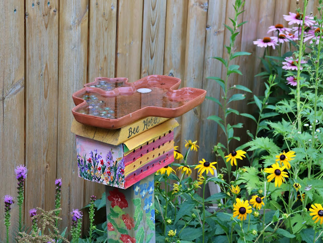 pollinator garden DIY bee hotel