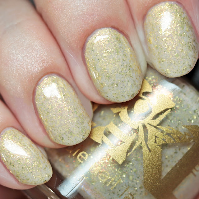 Bee's Knees Lacquer Hotel