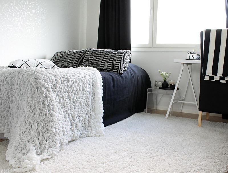 mustavalkoinen makuuhuone