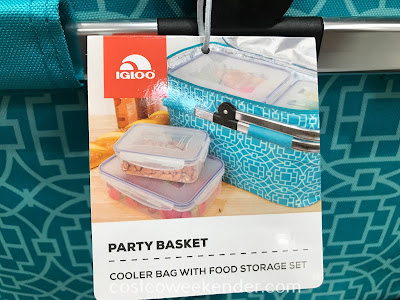 The Igloo Party Basket comes with an 8-piece plasticware set