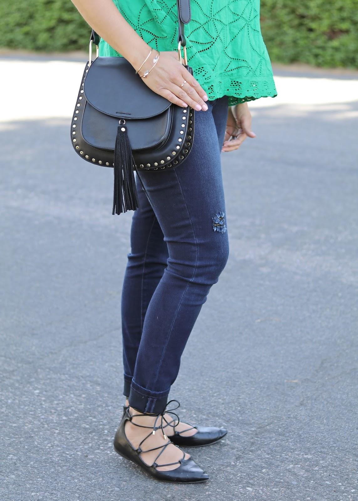 galian handbags, forever 21 black handbag, gold bracelets, black lace up flats, skinny jeans outfit