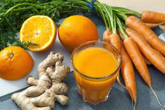 Smoothie pentru intarirea sistemului imunitar cu morcovi, portocala si ghimbir