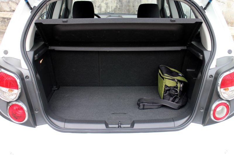Review 2013 Chevrolet Sonic Ltz Hatchback A T