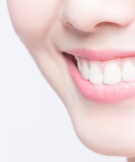 cara memutihkan gigi secara alami dan aman