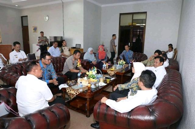 Plt.Bupati Nanang Ermanto, Menyambut Kunjungan Komisi Pemilihan Umum (KPU )Lamsel.