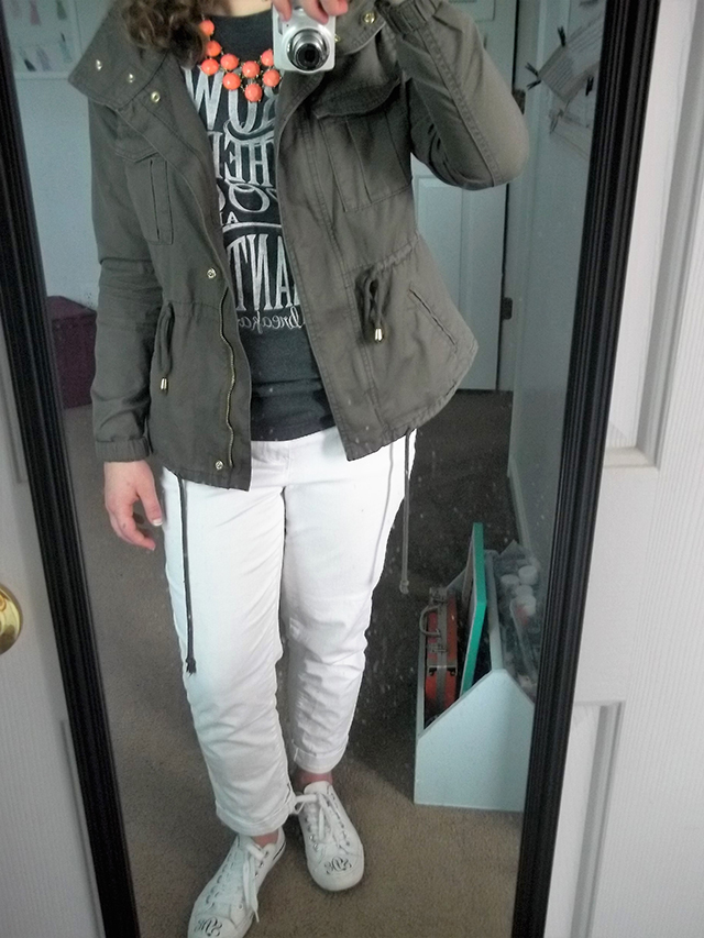 high five for friday five minute friday outfit of the day ootd graphic tee military jacket white boyfriend jeans white converses statement necklace