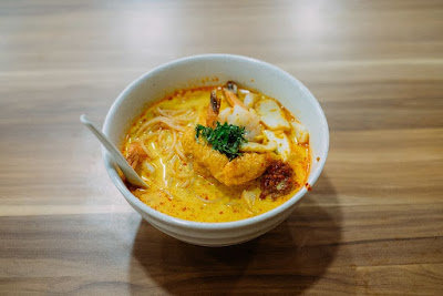 Try out Singapore beef laksa