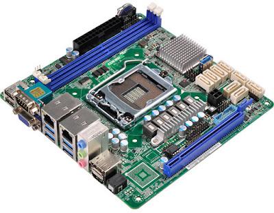 komponen komputer mainboard
