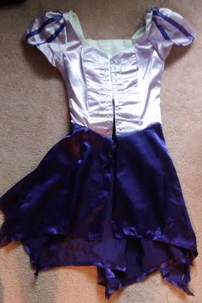 (Not quite how the picture on the pattern looked...) & My Nerdy Costume Closet: Tangled Rapunzel Costume Tutorial