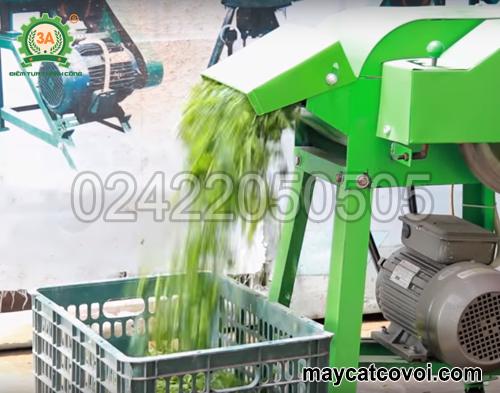 Nắp cửa ra sản phẩm của máy băm cỏ cho bò giá rẻ 3A2,2Kw