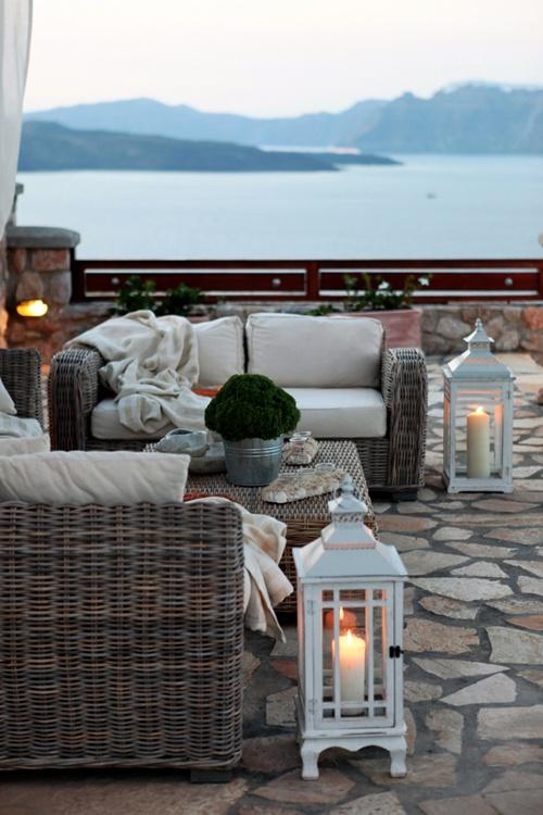 La guarida de bam terrazas al aire libre for Terrazas aire libre