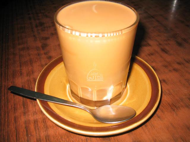 احذروا من شرب الشاى بالحليب !! لن تصدق اضراره تعرف عليها