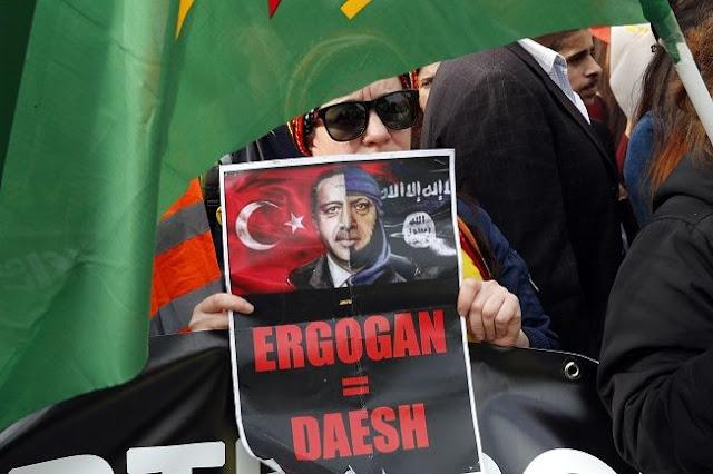 Σκληρές συμπλοκές μεταξύ Τούρκων και Κούρδων στο Ρότερνταμ