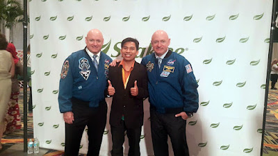 Bergambar dengan Angkasawan NASA Mark Kelly & Scott Kelly