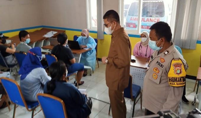 Wakil Ketua DPRD Banten Barhum Monitoring dan Sosialisasi Vaksinasi di Puskesmas Kedaung, Sepatan Timur