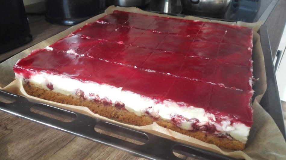 Betuls Torten Pudding Schmand Torte Mit Kirschen