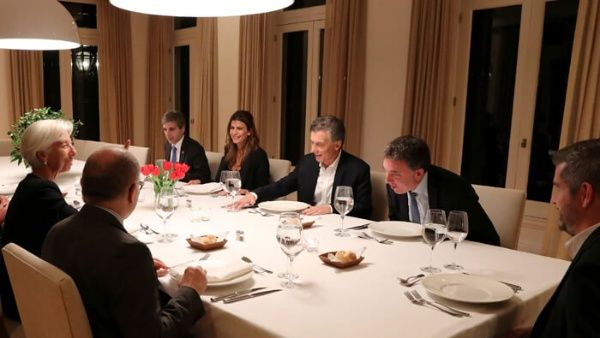 FMI inicia revisión de compromisos económicos de Argentina