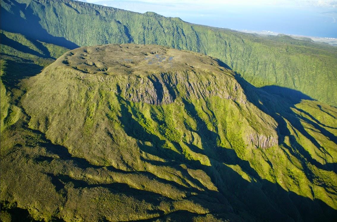 8b5d80b6df5ef Ho okuleana  ʻEke Crater