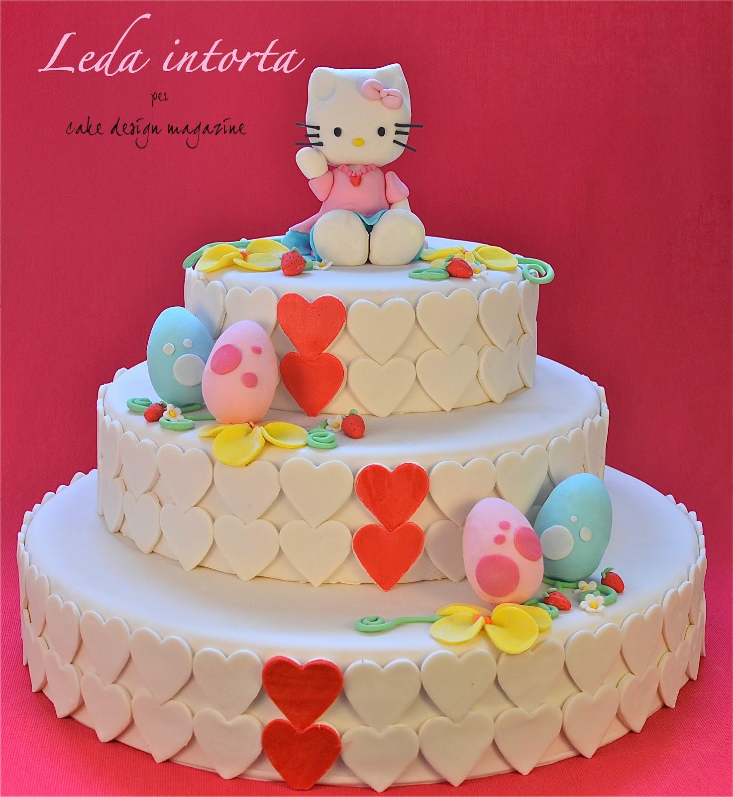 Hello Kitty, Hello kitty in pasta di zucchero, torta Hello Kitty, torta decorata, le torte di Leda, Leda intorta, come fare una torta in pasta di zucchero.