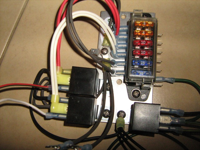 mgb fuse box wiring diagramdiary of an mgb let there be light fuses and relays mgb fuse box
