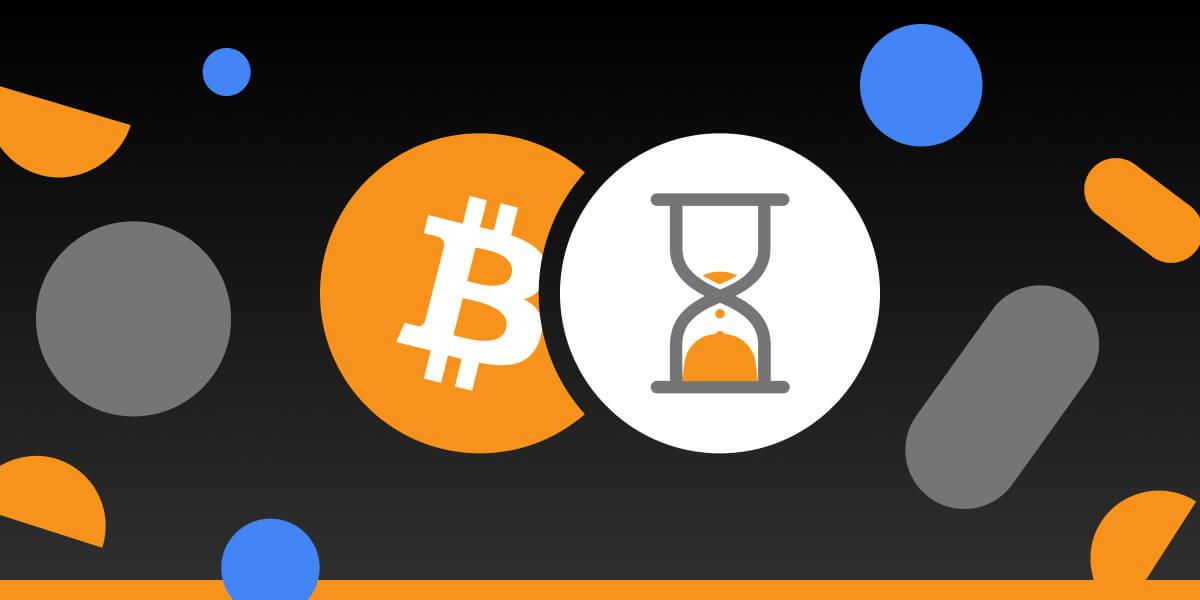 """Bitcoin işlemim neden bu kadar uzun sürüyor? Kullanıcılarımızın büyük çoğunluğu BTC'lerini hızlı ve zamanında geri çekiyor, ancak istisnai durumlarda bazılarınızın daha uzun süre beklemesi gerekiyor.  Neden?  İşleminizin neden daha uzun süre beklemede olabileceğinin birkaç nedenini inceleyin:  Kullanıcılarımıza azami özen gösteriyoruz, bu nedenle CryptoTab minimum para çekme miktarını tutar - sadece 0.00001 BTC. Düşük minimum ödeme, kullanıcıların günde birkaç kez para çekmelerine olanak tanır. Aynı zamanda on binlerce ödeme işleniyor ve büyük işlemler oluşturuyor. Blok zinciri ağındaki yoğun trafik dönemlerinde, mempool'daki onaylanmamış işlemlerin sayısı artar. Bu bağlamda, komisyon zaten sabitlenmiş olan büyük boyutlu işlemler çok daha uzun zaman alabilir.  Elon Mask kısa süre önce Dogecoin, Bitcoin ve diğer kripto para birimleri hakkında çok sayıda yüksek profilli tweet'e daldı. Piyasayı kolayca aşırı yükleyen ve tüm dünyadaki işlemleri ve bekleme süresini etkileyen işlemlerin sayısını - insanlar almaya, satmaya başlar - artırır.   """"İşlem mevcut değil"""" metnini görürseniz paniğe kapılmayın. Tüm işlemleriniz birbirine bağlıdır. Yani önceki işlem onaylanmazsa, mevcut işleminiz de onaylanmayacak veya görüntülenmeyecektir. Lütfen önce önceki tüm işlemler onaylanana kadar bekleyin.  İşleminiz bir süredir beklemede kaldıysa, strese girmeyin. Yine de tüm paranızı hesabınıza yatıracağınızdan eminiz ve CryptoTab olarak her zaman yükümlülüklerimizi yerine getiriyoruz! Sadece yukarıda belirtilen faktörleri aklınızda bulundurun!   Bu bilginin sakin kalmanız için yeterli olacağını umuyoruz. Öyleyse, bir dahaki sefere çekildiğinizde panik yerine bu gönderiye geri dönün ve tekrar okuyun!"""