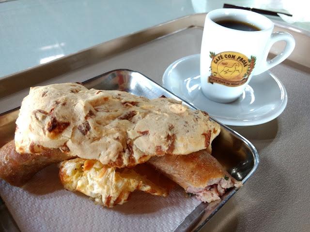 O melhor Pão de queijo com linguiça de Minas Gerais