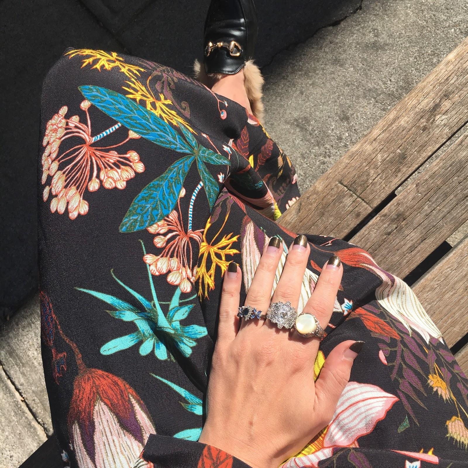 floral print maxi dress fall street style