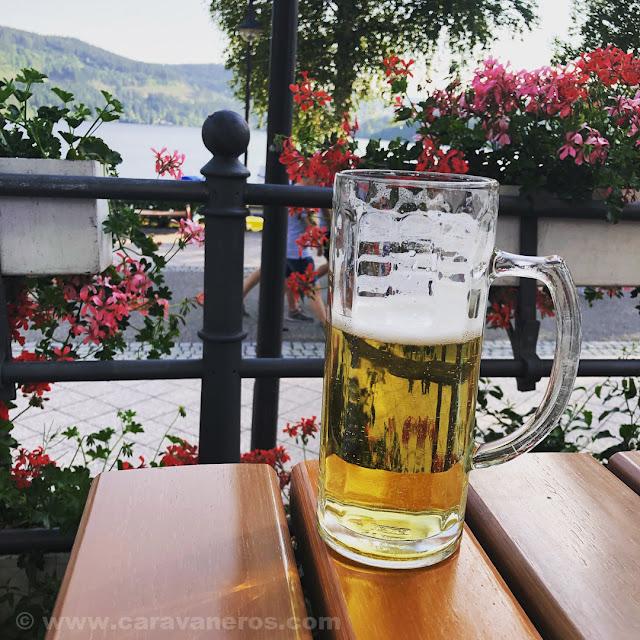 biergarten en el Lago Titisee |Alsacia y Selva Negra en autocaravana