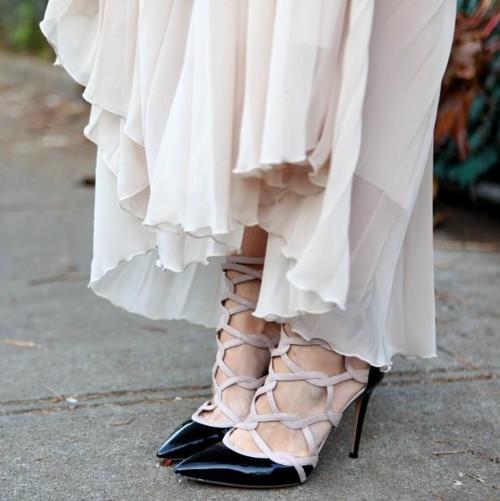 Scarpin de salto stiletto ou agulha