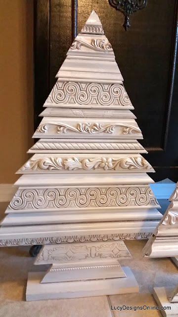 alternative Christmas tree with molding