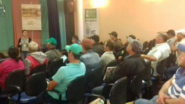 Altamira do Paraná- Emater realiza reunião técnica sobre bovinocultura leiteira
