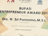 Bupati Sleman  Raih  Enterpreneur Award 2019