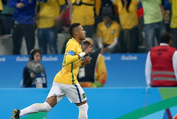 O Brasil está na semifinal do torneio masculino de futebol dos Jogos  Olímpicos do Rio. Garantiu a vaga ao superar o seu mais duro teste até  agora e bater a ... ecf5fdf2d6c39