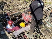 Desciende alcalde de Iguala al histórico Pozo Meléndez en busca de desaparecidos