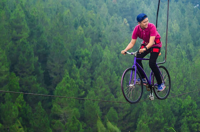 Spot Sepeda Gantung Hutan Pinus Kragilan