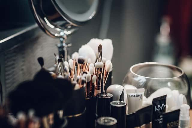 How To apply Makeup For Beginners Step By step