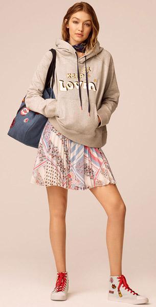 coleção Tommy x Gigi  moletom com capuz e vestido
