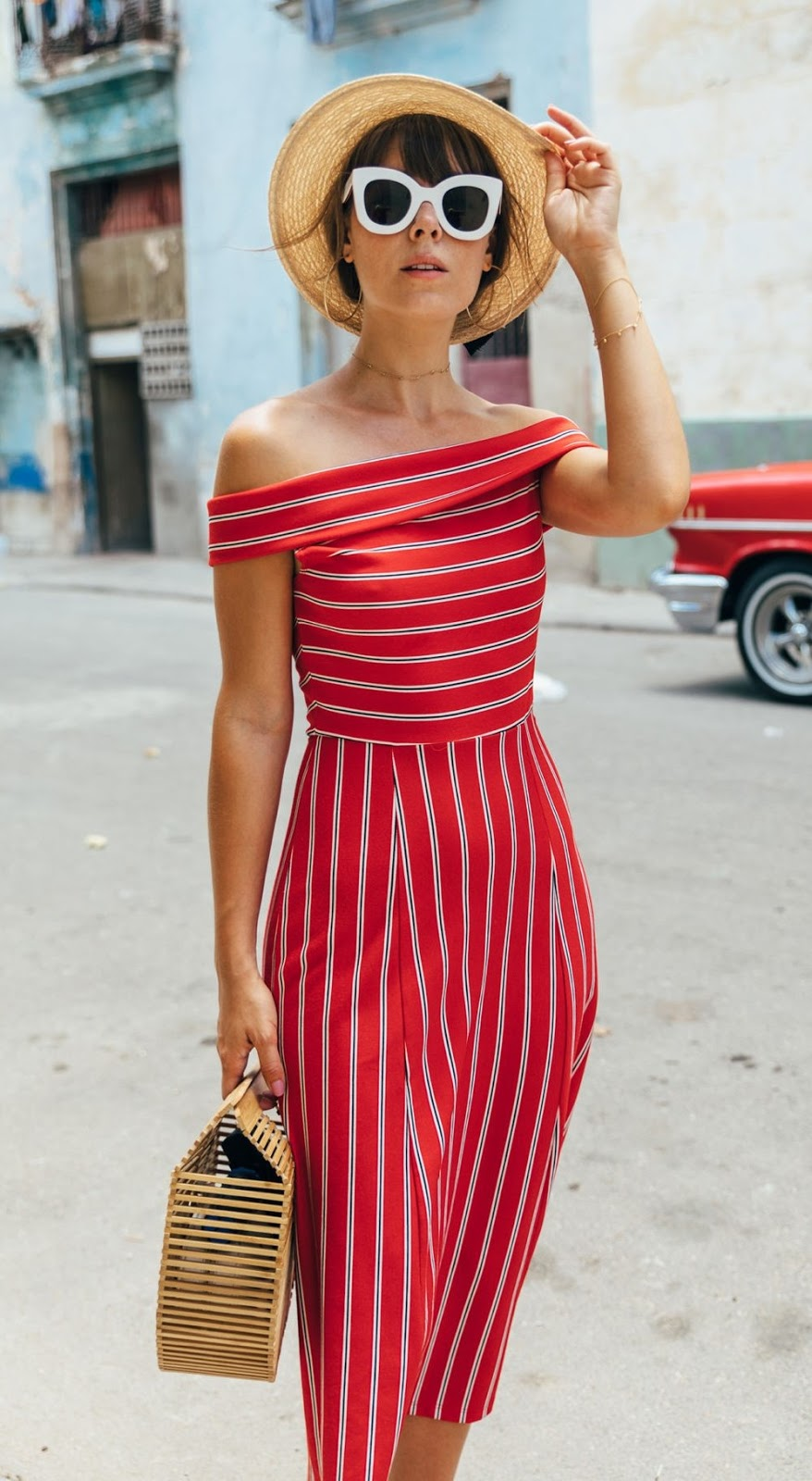 amazing summer outfit_hat + retro sunglasses + striped off shoulder dress + bag
