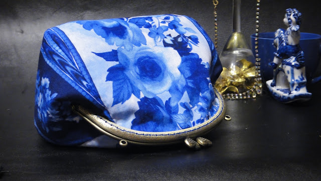 Сумочка с фермуаром Синие розы - сумочка на лето, сумка на выпускной вечер