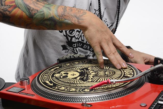 Download 40 Bahan scratch untuk DJ