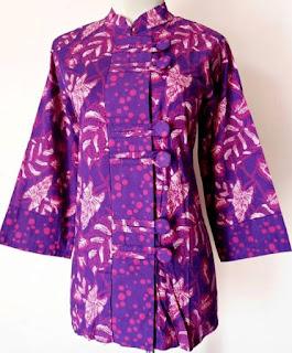 Model Baju Batik Kantor Wanita Berjilbab tampil cantik