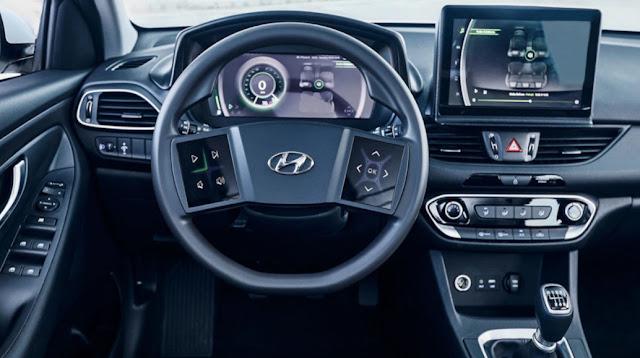 Сенсорные экраны на руле нового Hyundai