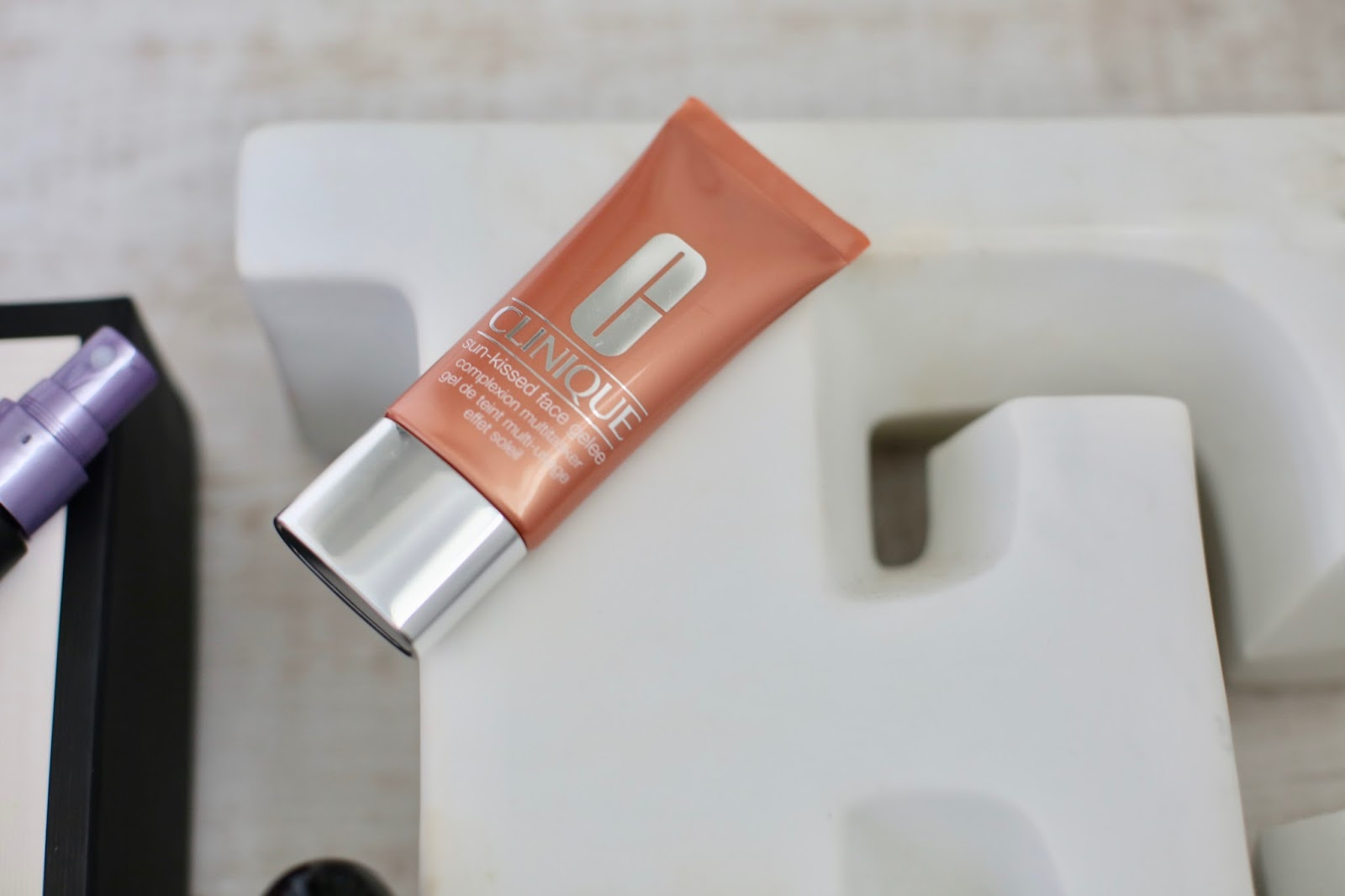 Clinique Sun-Kissed Complexion Multi-tasker