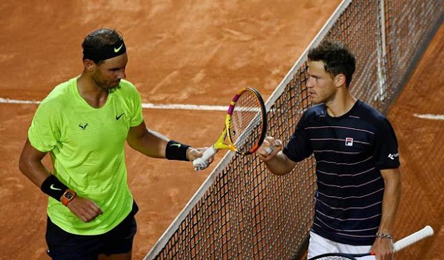 Nadal và Diego Schwartzman sau trận đấu