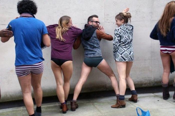 Αποτέλεσμα εικόνας για day without trousers london