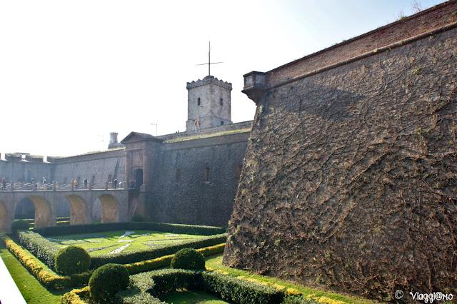 Forte del Montjuic, ingresso
