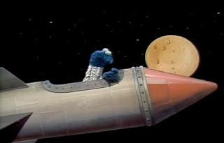 Cookie Monster sings If Moon Was Cookie. Sesame Street Best of Friends