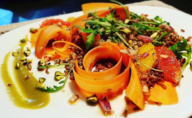 Salade trio Quinoa/agrumes/pistaches sans gluten