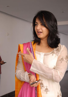 Anushka At Damarukam Success Meet (2).jpg